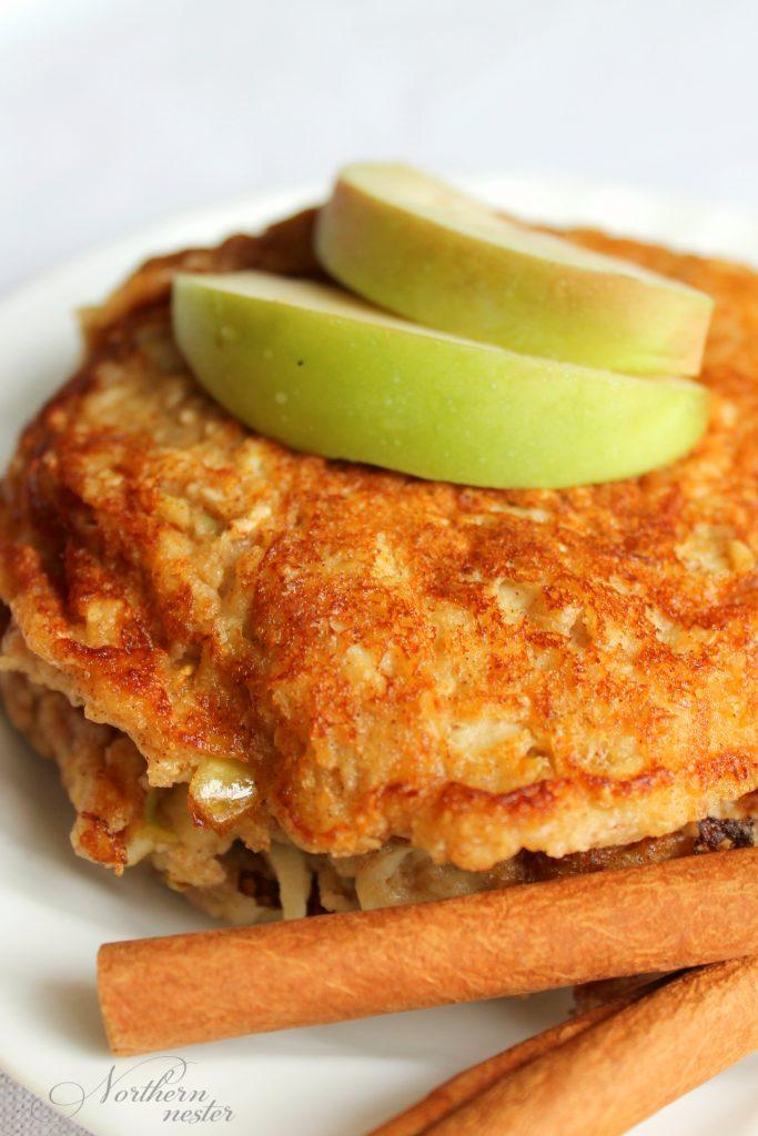apple-flapjack-pancakes-thm-e