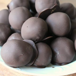 Chocolate Peanut Butter Protein Truffles | THM: S