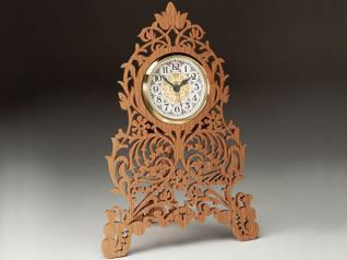 FREESTANDING FRETWORK CLOCK