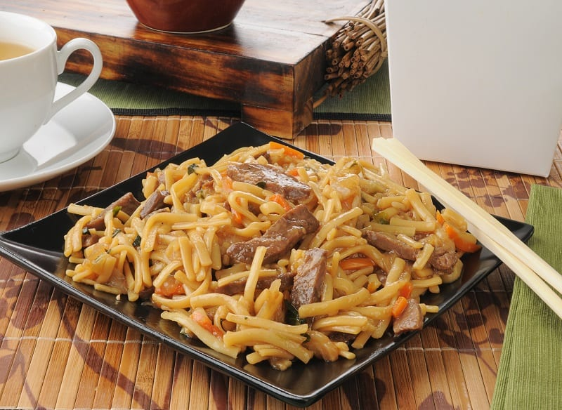 DIFFERENCE OF CHOW MEIN VS LO MEIN