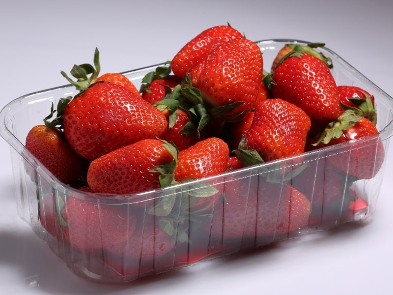 different ways to store strawberries