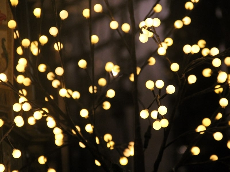 how to plug in christmas lights